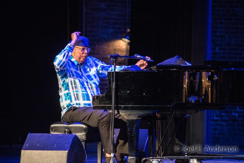 "Chucho Valdés: Irakere 40 - Mo Theater (""We Always Swing"" Jazz Series)"